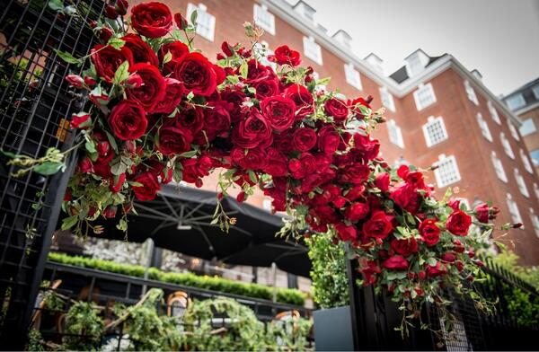 The Bloomsbury Rose Garland