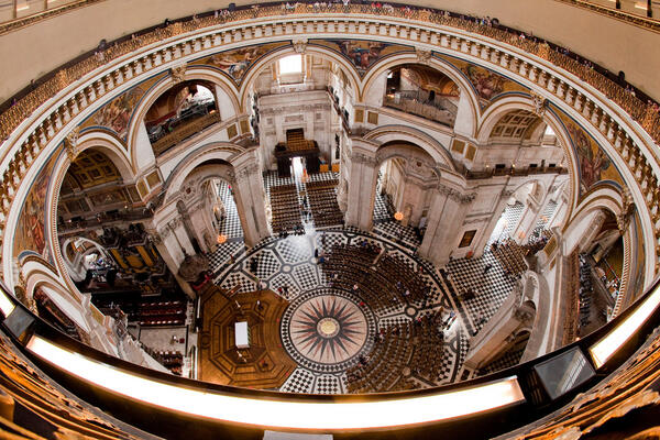 St Pauls Whispering Gallery; romantic things to do on Valentines Day London