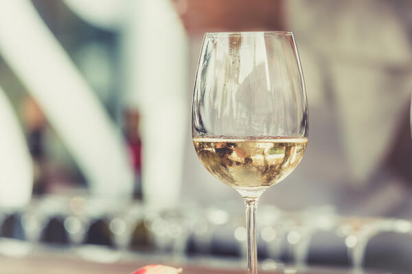 How to read a restaurant wine list