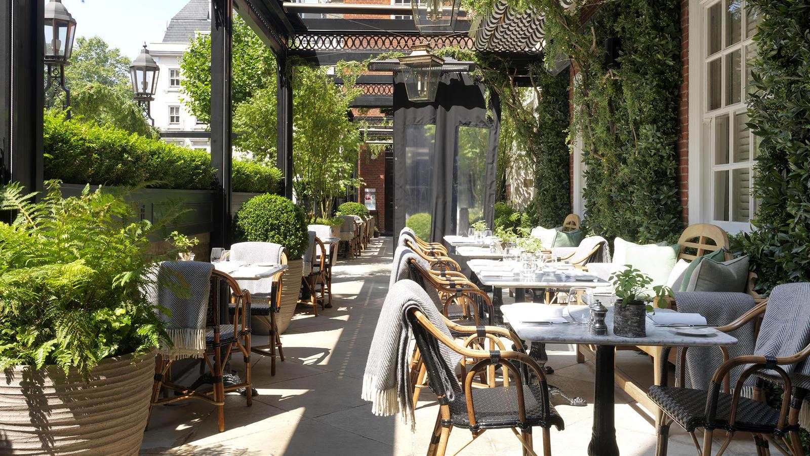 The bloomsbury hotel luxury hotel in london 39 s west end for Bloomsbury hotel terrace