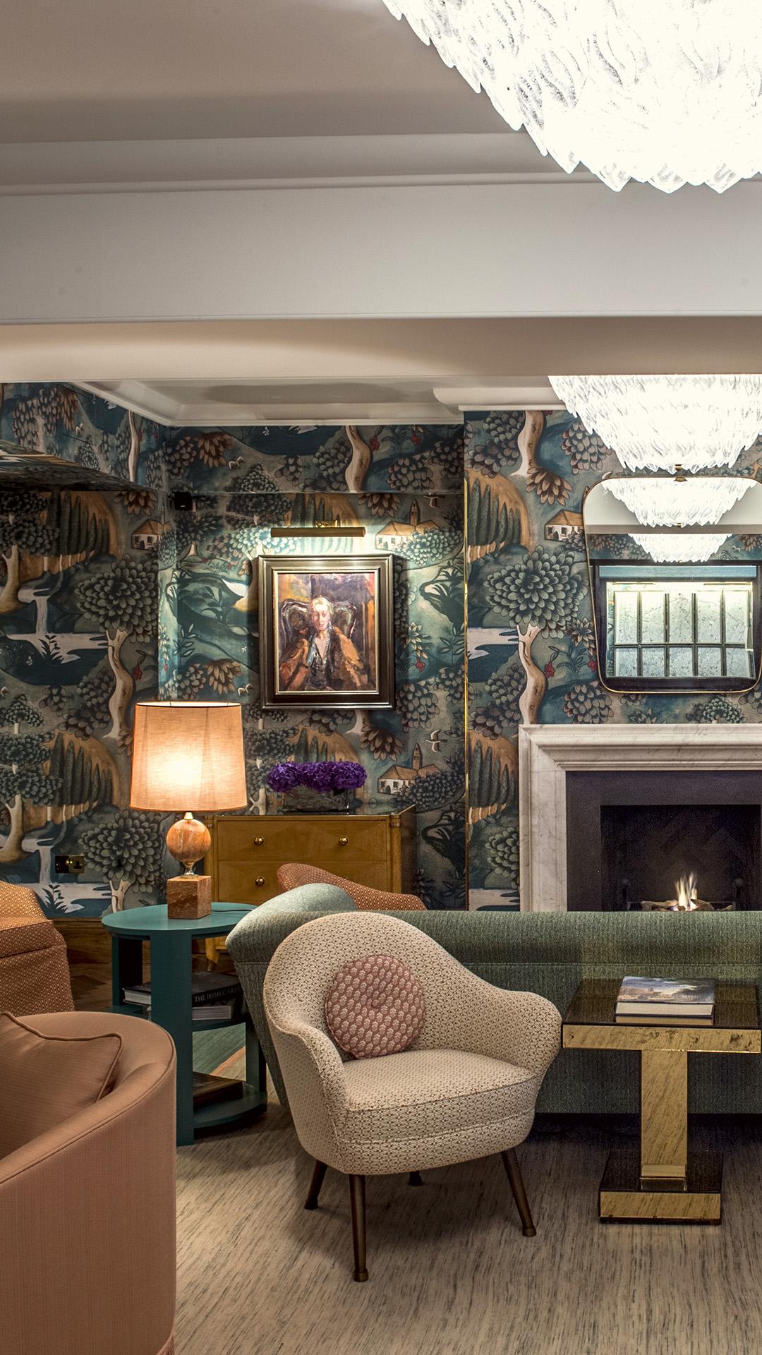 Luxury Hotel Rooms: Luxury Hotel In London's West End