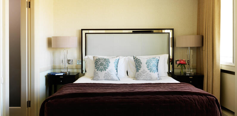 Bristol Room Suite Land Gallery 1