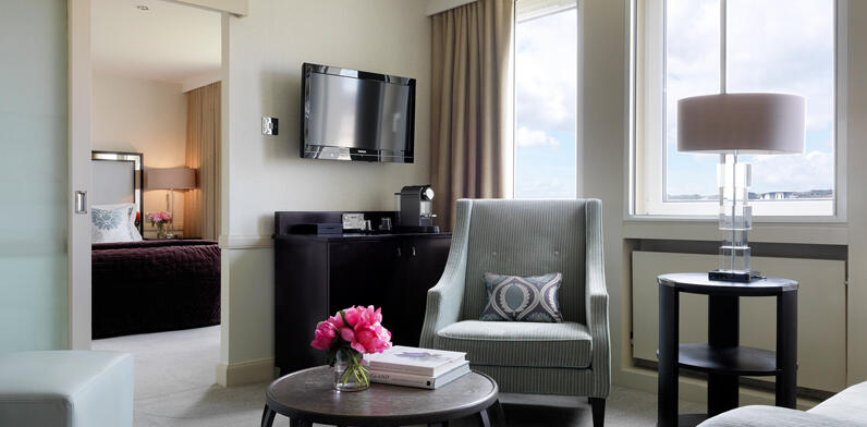 Bristol Room Suite Land Gallery 3