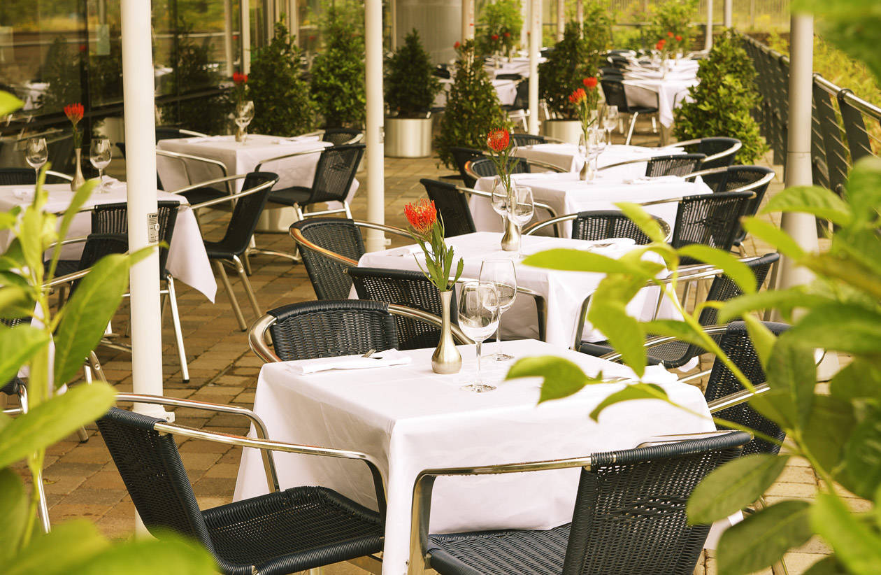 Terrace Dining at The River Lee Hotel