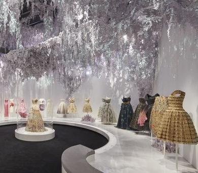 v-a-christian-dior-designer-of-dreams-exhibition-the-garden-section-c-adrien-dirand-3-1549479402